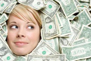 年収と幸福度の関係性について|収入はいくらあれば幸せ?