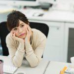 大学生がアルバイトを辞める理由18選!円満退職の伝え方とタイミングのコツ